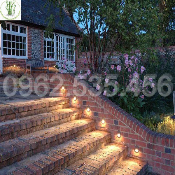 Đèn led chiếu cầu thang