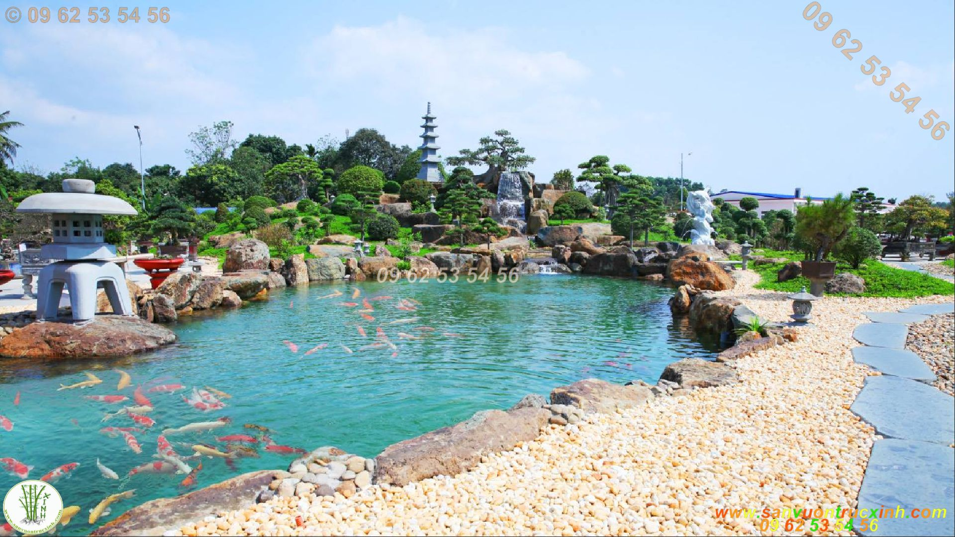 Mẫu hồ cá Koi sân vườn kết hợp thác nước hòn non bộ